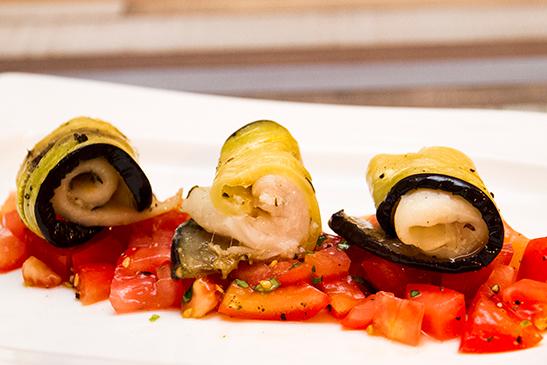 Bruschetta ágyon pihenő fogas padlizsántekercsben - Chefbag