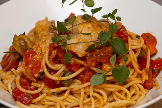 Puttanesca - fűszeres tőkehalas spagetti - Chefbag