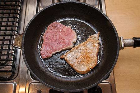 Kéksajtos sertéskaraj mandulás grillzöldségekkel - Chefbag