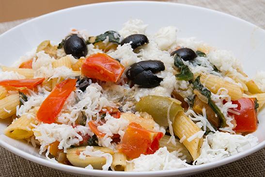 Olivás, kecskesajtos, spenótos penne - Chefbag