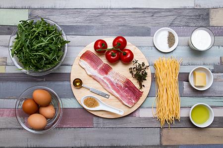 Spagetti carbonara omlett, arugula salátával - Chefbag
