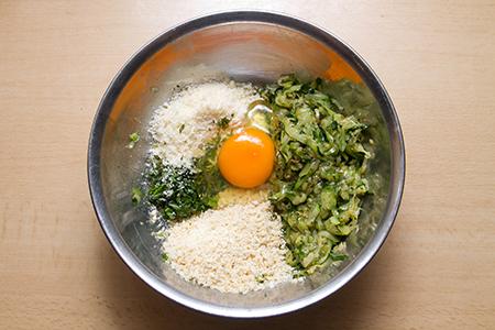 Parmezános cukkinigolyók marinara szószban - Chefbag