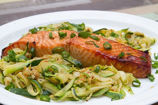 Teriyaki salmon with zucchini noodles - Chefbag