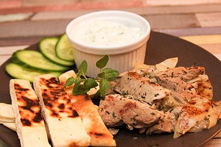 Nyárs nélküli souvlaki tzatzikivel - Chefbag