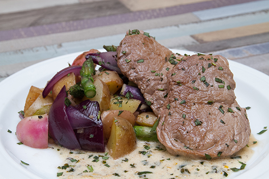 Beefsteak with grilled vegetables and tarragon sauce - Chefbag