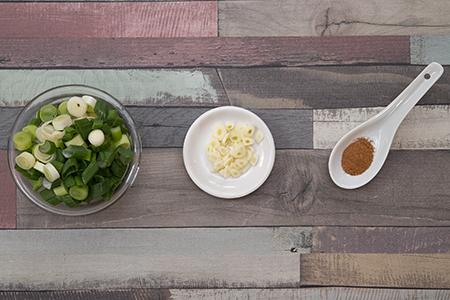 Serpenyős lazac tejszínes-spenótos krumplival - Chefbag